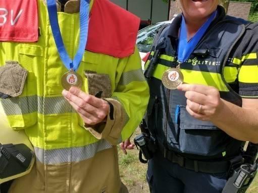 Deze echte helden kregen ook een mooie medaille